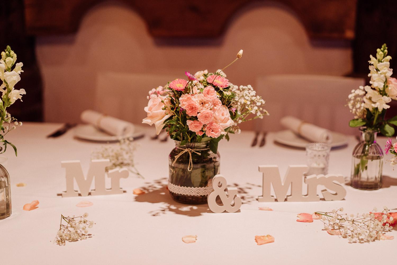 Mr & Mrs Schild Hochzeitsdeko