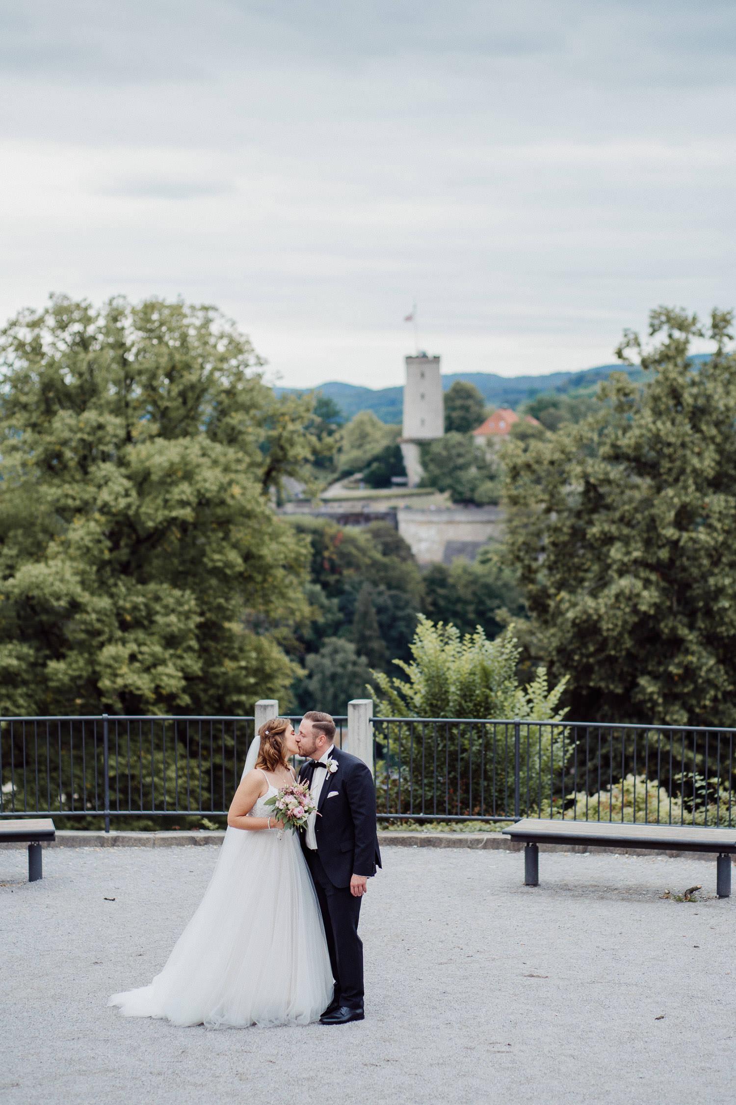Hochzeitsfotos vor der Sparrenburg in Bielefeld