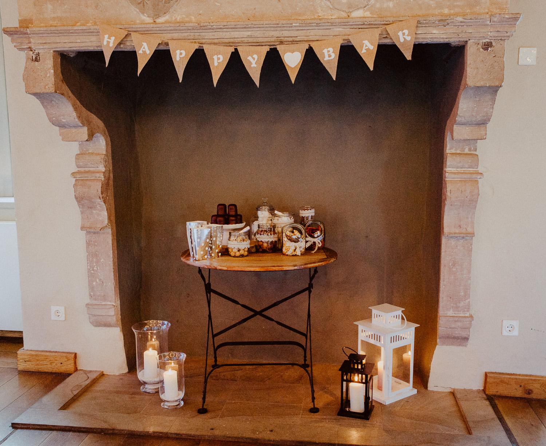 Candybar in altem Kamin auf Burg Sternberg Extertal