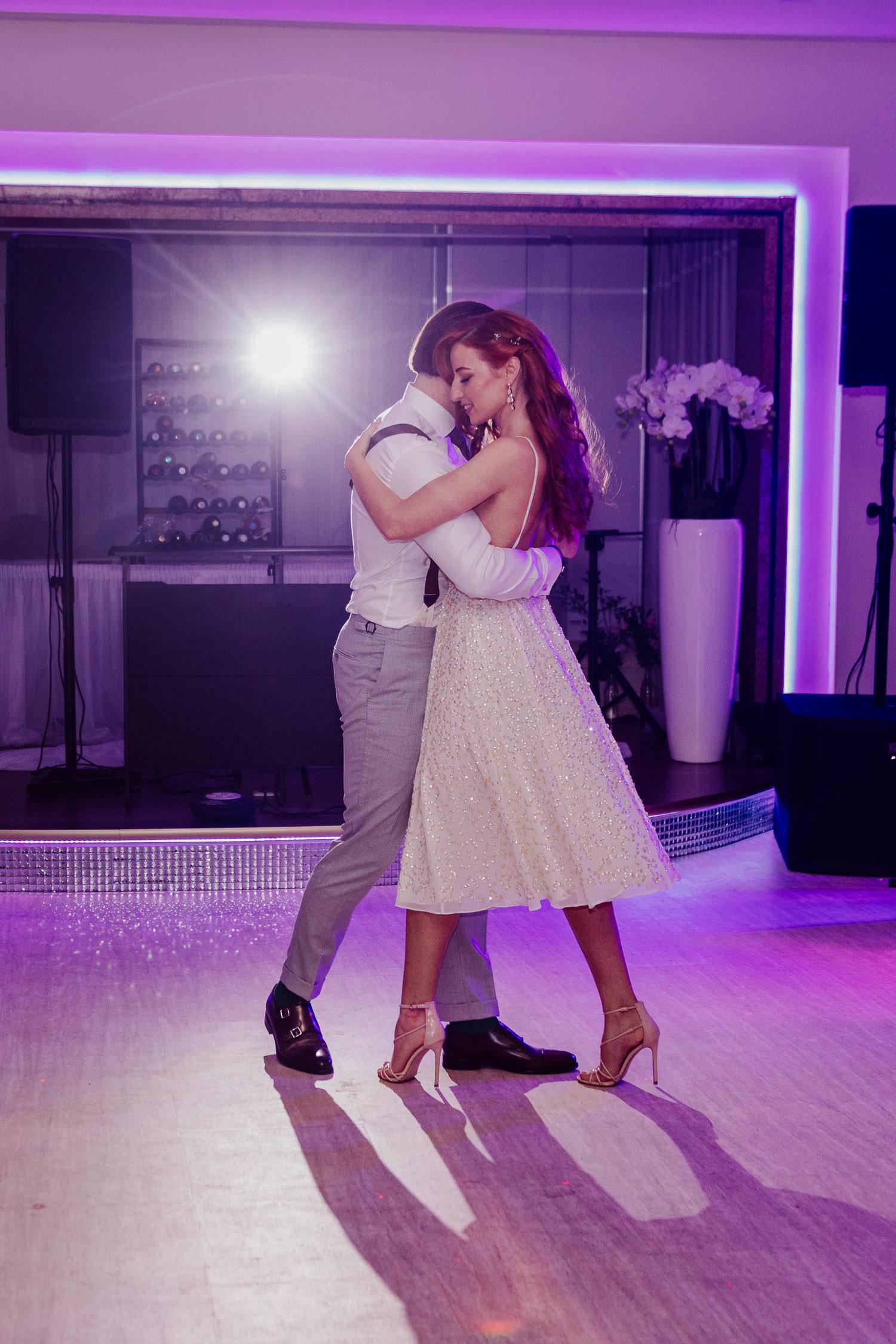 Brautpaar beim Hochzeitstanz im Eventcenter Bad Oeynhausen