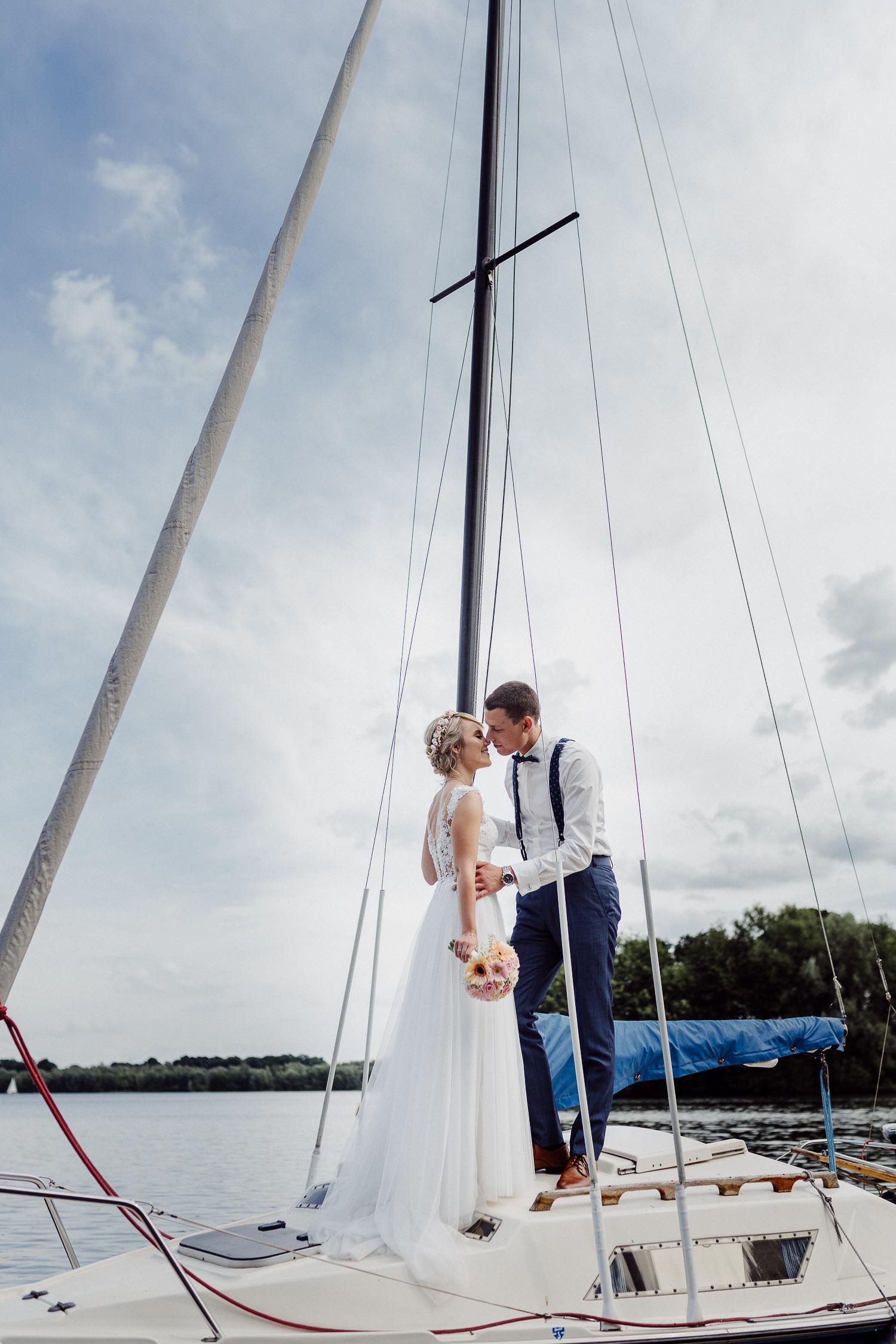 Hochzeitsfoto auf Segelboot am Lippesee
