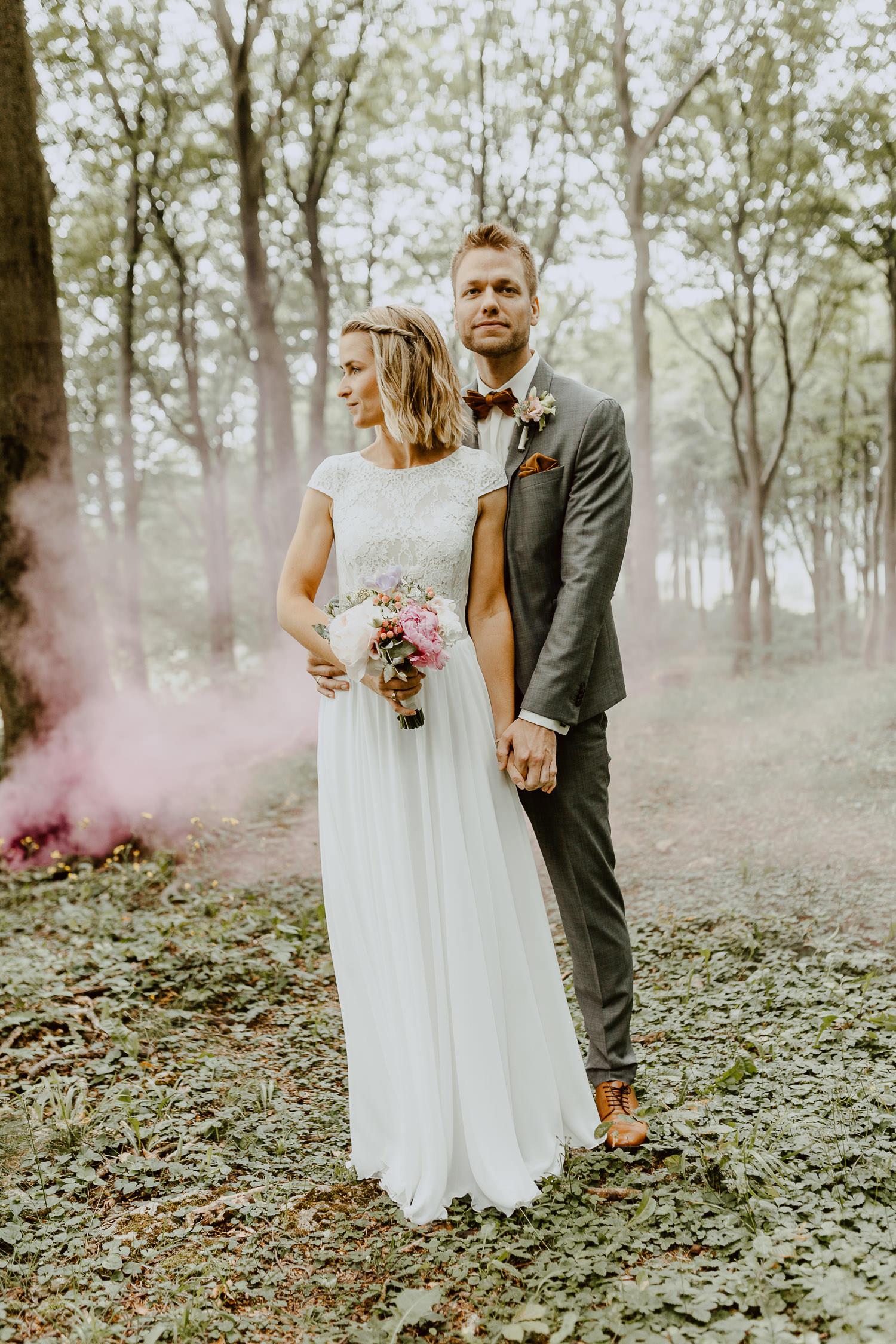 Brautpaarshooting mit Rauchbombe