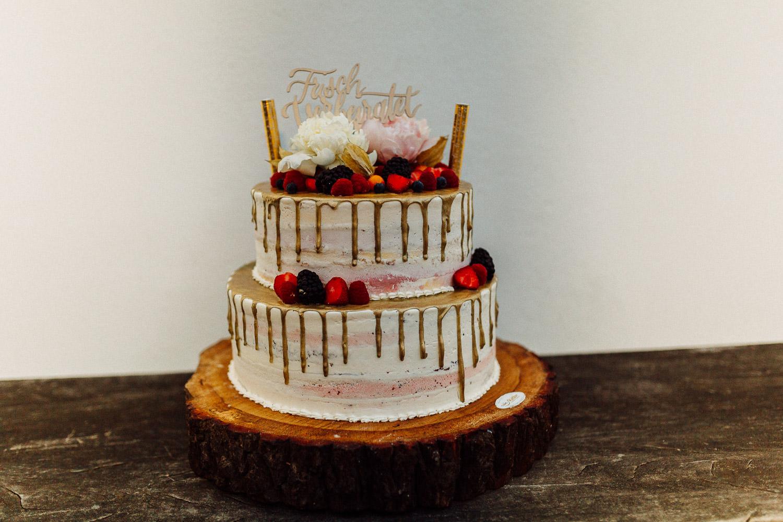 Hochzeitstorte naked Cake mit Früchten Hof Steffen