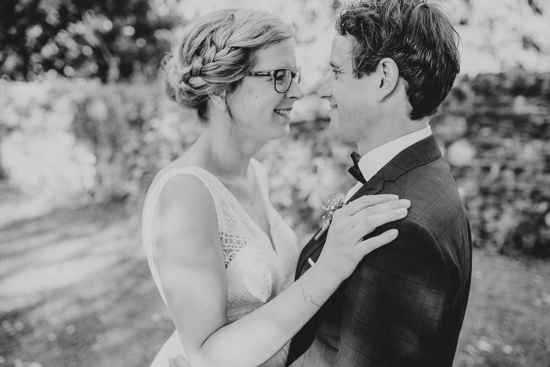 Brautpaar Foto in Schwarz Weiß