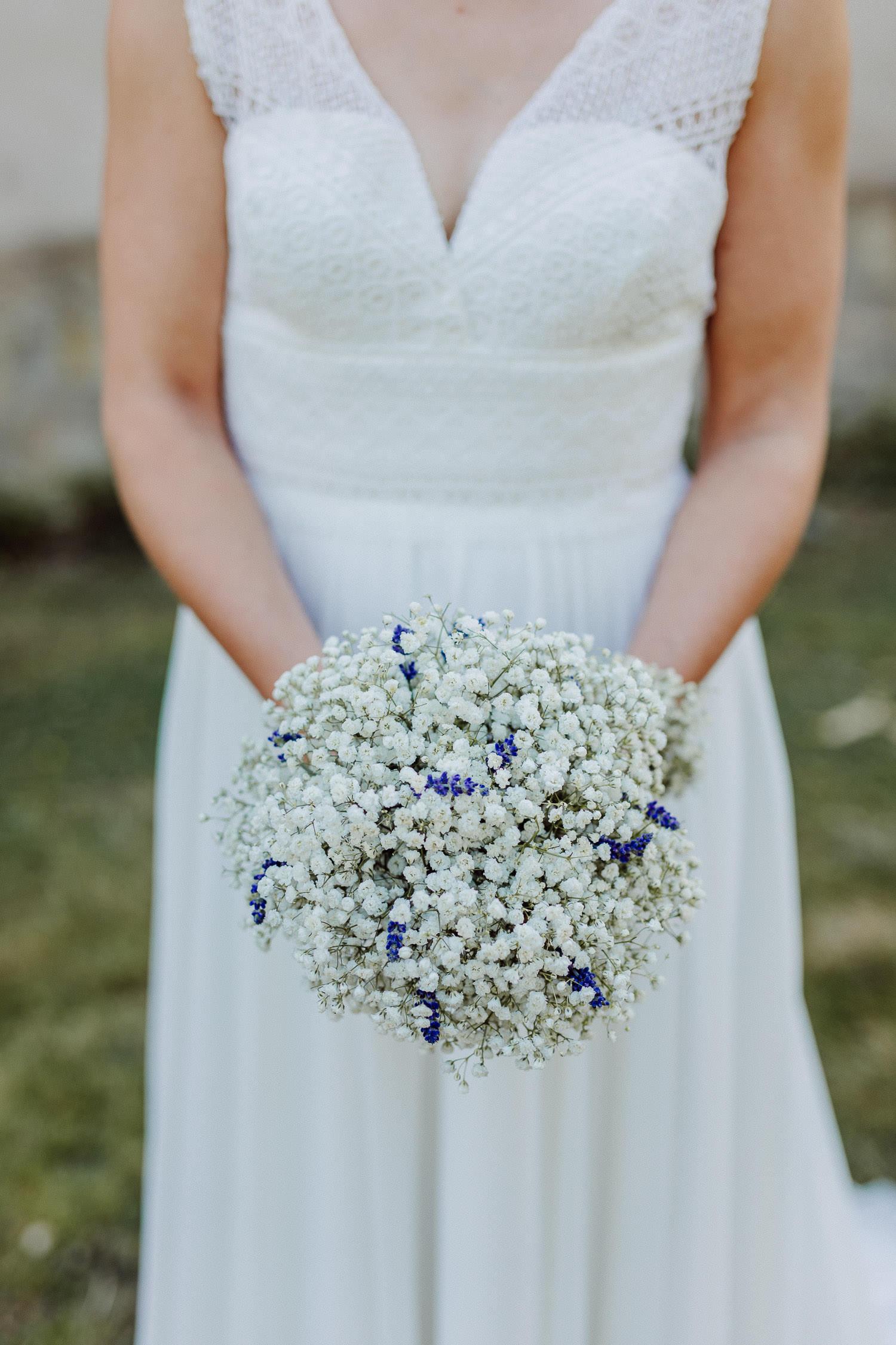 Hochzeitsstrauß aus Schleierkraut mit Lavendel