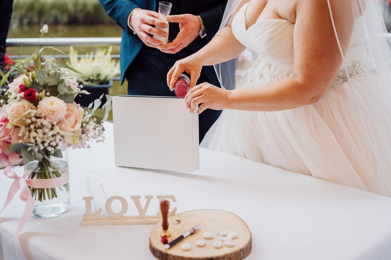 Brautpaar Sand Ritual im Lind am See
