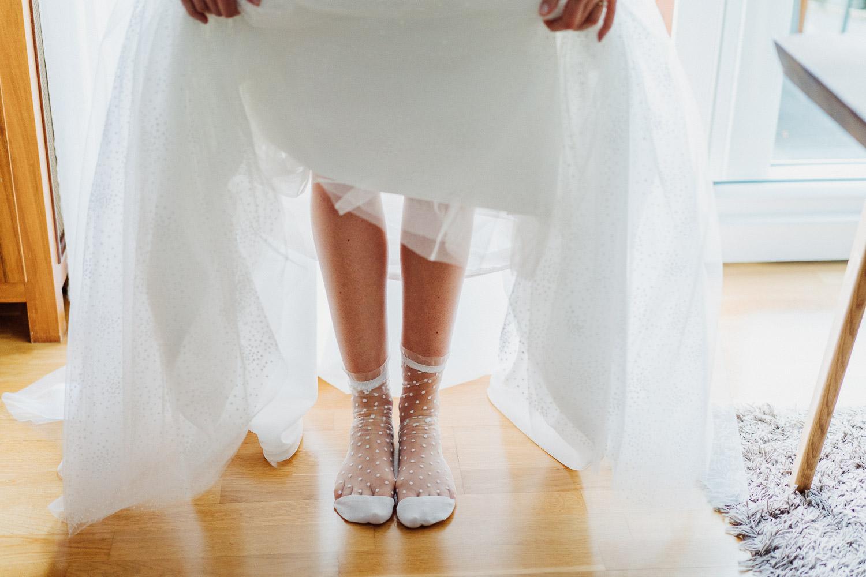 Socken zum Hochzeitskleid