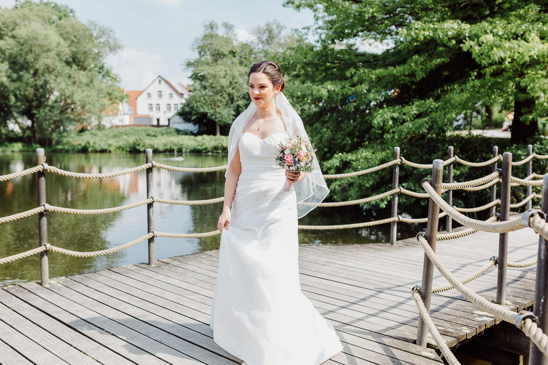 Braut Suse auf dem Weg zum First Look Shooting
