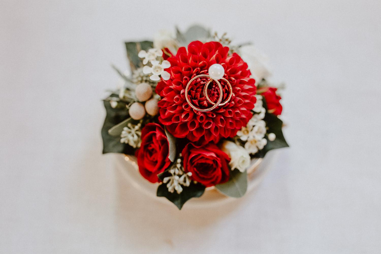 Blumengesteck mit Eheringen