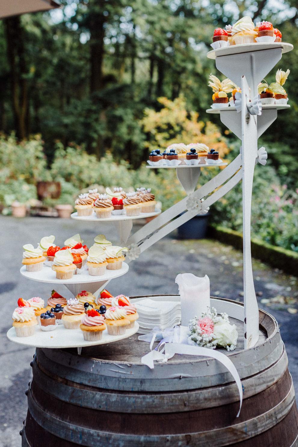 Hochzeitsbuffet mit Cupcakes