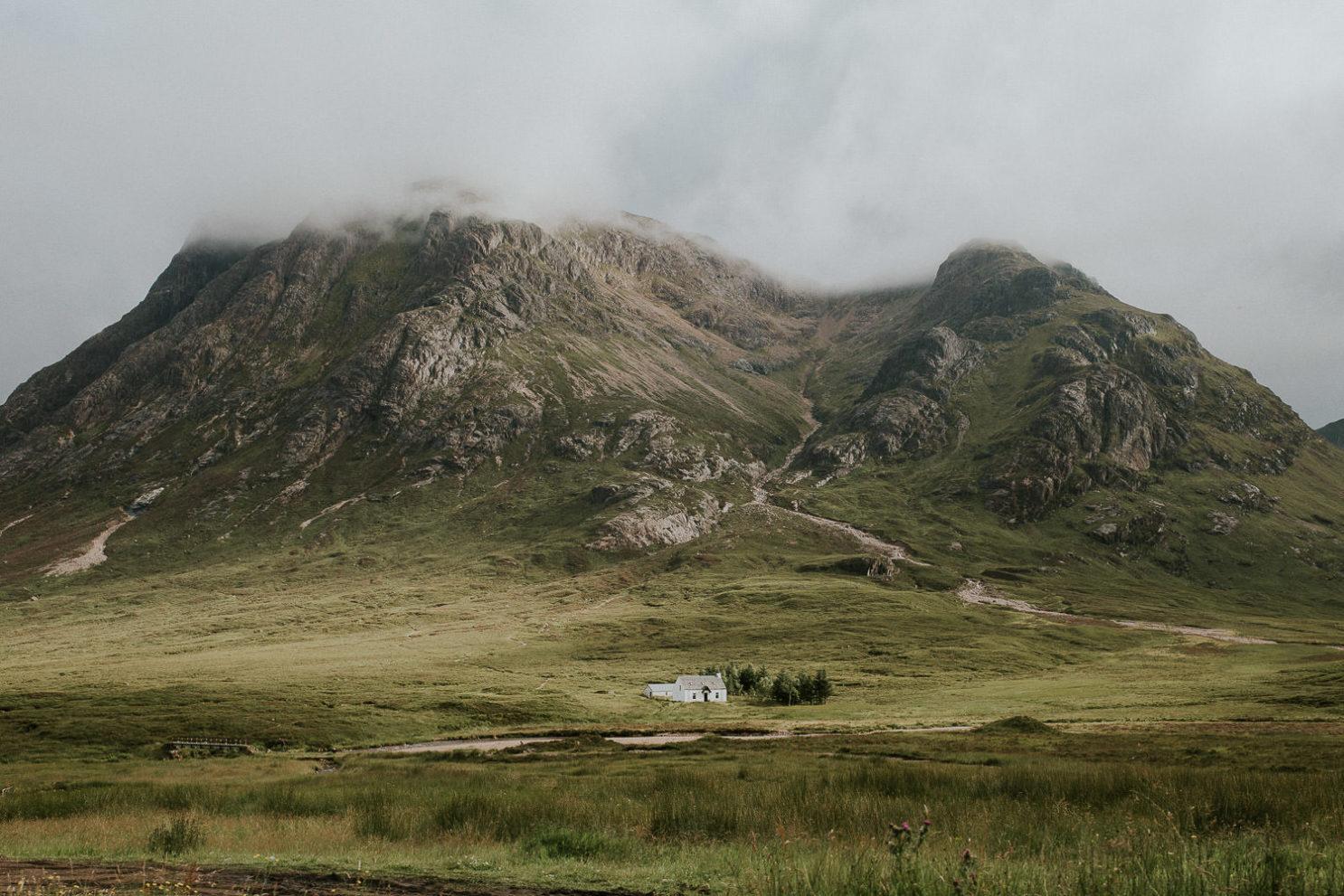 weißes Haus in Glen Coe Schottland